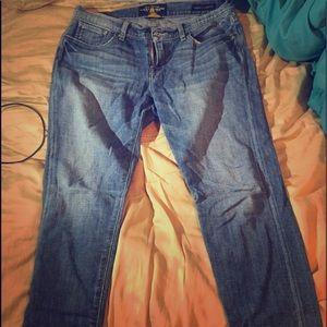 Lucky brand boyfriend style baggy size 6/28 denim